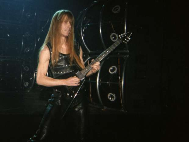 Manowar Estonia - 2002.11.18_manowar_bercy_karl_logan_1